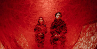 Chiharu Shiota - Lifelines. © Kulturprojecte Berlin. Photo credit: Alexander Rentsch