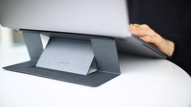 """MOFT – Il Supporto """"Invisibile"""" per Laptop"""