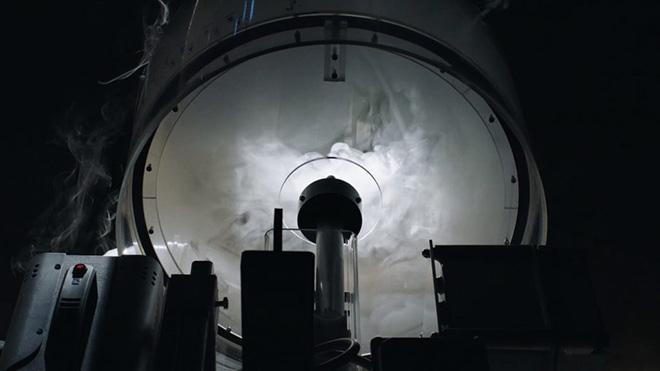 Studio Swine - ∞ Blue (Infinity Blue), Ceramics, steel, robotics, fog, scent. Height 8.5m x Width 4.4m x Depth 4.4m.