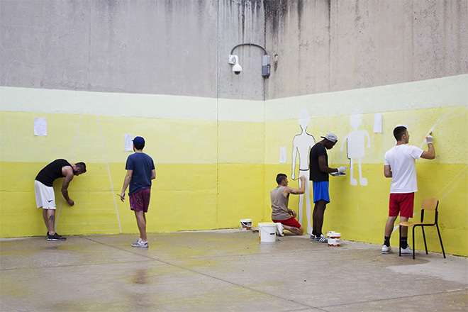 Guerrilla Spam - «MANI IN ALTO!», Secondo murales, Progetto di arte urbana Casa Circondariale di Larino (CB), 2018