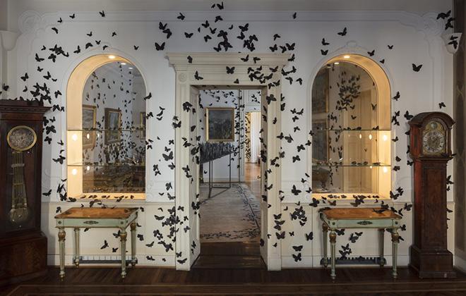 CARLOS AMORALES - L'ORA DANNATA, Fondazione Adolfo Pini, Milano, 2019. Foto di Andrea Rossetti, Courtesy l'artista e Fondazione Adolfo Pini