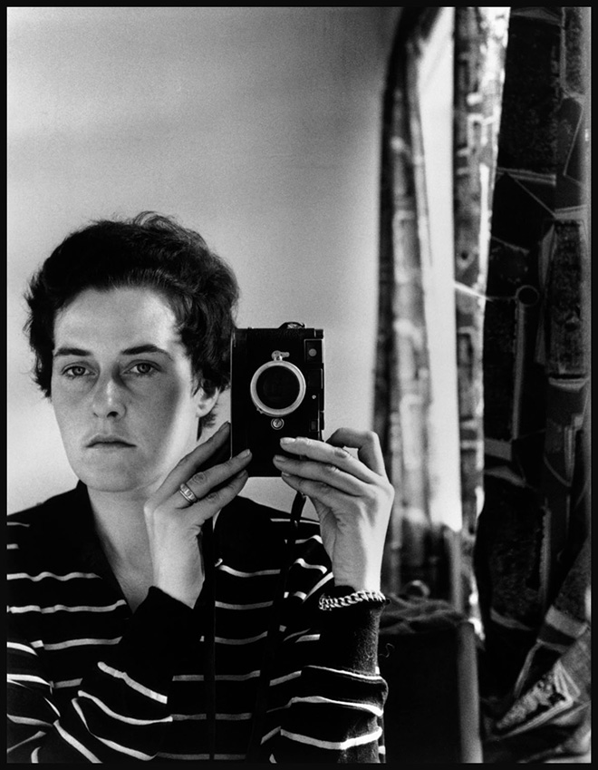 Inge Morath - Autoscatto, Gerusalemme, 1958. ©Fotohof archiv/Inge Morath