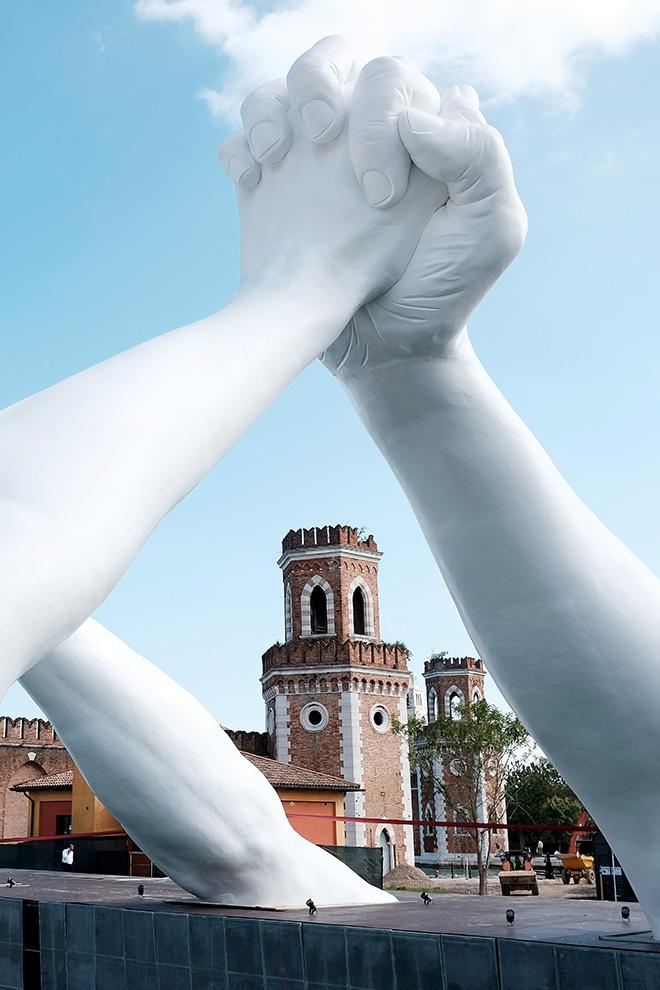 Lorenzo Quinn - Building Bridges, Arsenale, Venezia. photo credit: Halcyon Art International