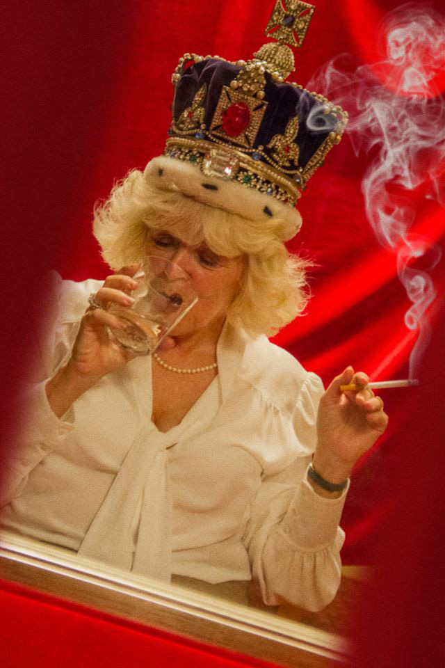 http://www.art-vibes.com/wp-content/uploads/2019/05/The-Duchess-of-Cornwall-enjoys-a-quick-shandy-and-smoke-as-she-tries-out-the-crown-for-size.jpg