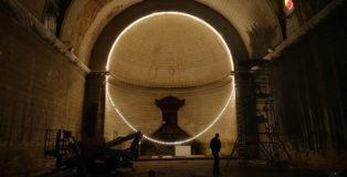 Gonzalo Borondo - M E R C I, installation, Temple des Chartrons, Bordeaux, 2019