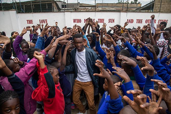 Andrea Signori (AVSI) - Il cielo sopra Kibera. La Divina Commedia di Dante Alighieri, teatro di Marco Martinelli con i ragazzi della baraccopoli di Kibera in Kenia.