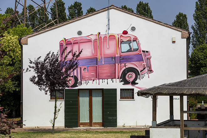 ROULÈ: Padova - Ristorante Amici Miei Consorzio ZIP (Zona Industriale), opera su muro.