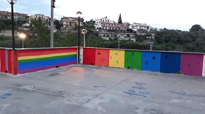 OLTRE IL MURO - I bambini e la street art, Murale della pace, Castelnuovo di Porto