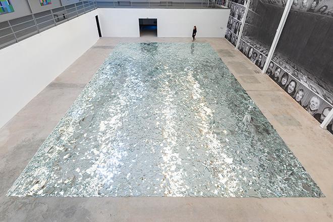 Kader Attia, Le grand miroir du monde (detail), 2017,Mirrors. Site specific dimensions. Courtesy: the artist and GALLERIA CONTINUA, San Gimignano / Beijing / Les Moulins / Habana Photo by Oak Taylor-Smith