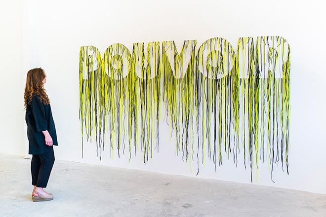 Nari Ward, Pouvoir, 2019 - Shoe laces, 355 x 208 cm. Courtesy: the artist and GALLERIA CONTINUA, San Gimignano / Beijing / Les Moulins / Habana Photo by Oak Taylor-Smith.
