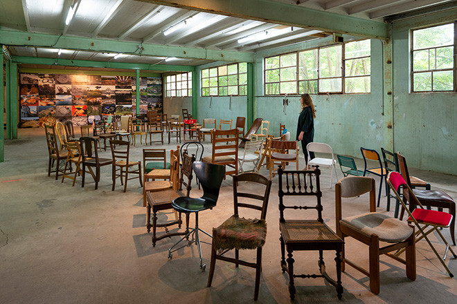 Michelangelo Pistoletto, Terzo Paradiso, Boissy-le-Châtel, 2019. Brought chairs. Dimensions variable. Courtesy: the artist and GALLERIA CONTINUA, San Gimignano / Beijing / Les Moulins / Habana Photo by Oak Taylor-Smith