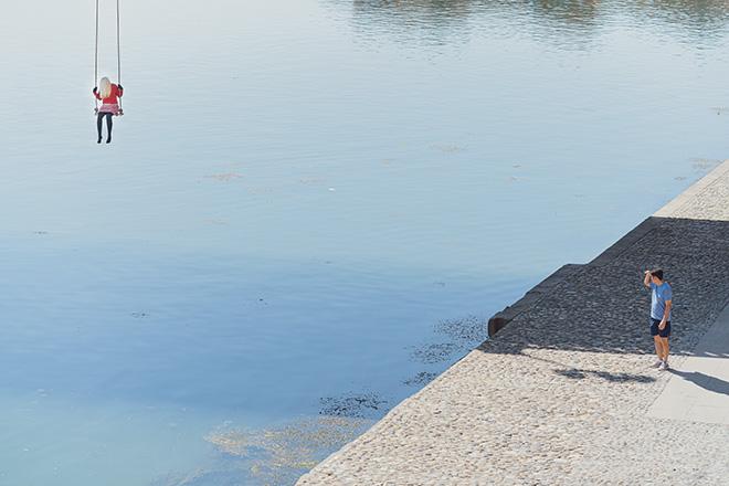 Mark Jenkins - Tolosa: installazioni al ROSE BÉTON. Photo credit: Benjamin Roudet