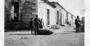 Dots to Specific - 13 IV 1941 (Progetto fotografico)
