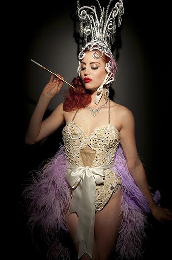 Anne Kellow - 11.53 pm. Cesare Cicardini - The New Burlesque. SI FEST - SEDUZIONI Fascinazione e mistero.