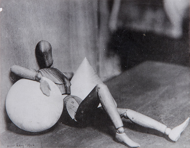 Man Ray. Exposition