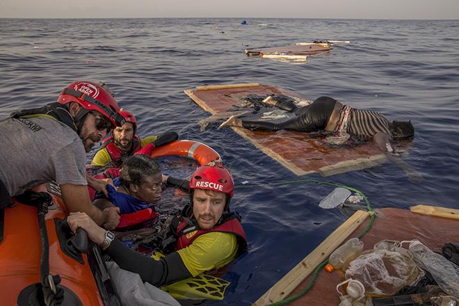 Alessio Paduano - Life and Death in the Mediterranean Sea, Mediterranean Sea, Photojournalism, Siena International Photo Awards 2019.
