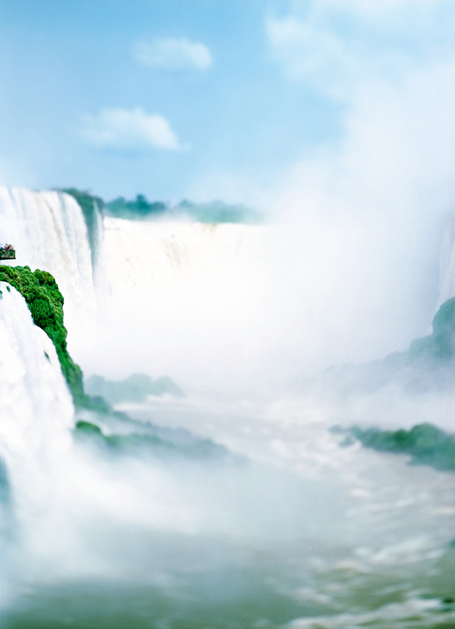 Olivo Barbieri - The Waterfall Project, Iguazu, Argentina - Brazil, 2007