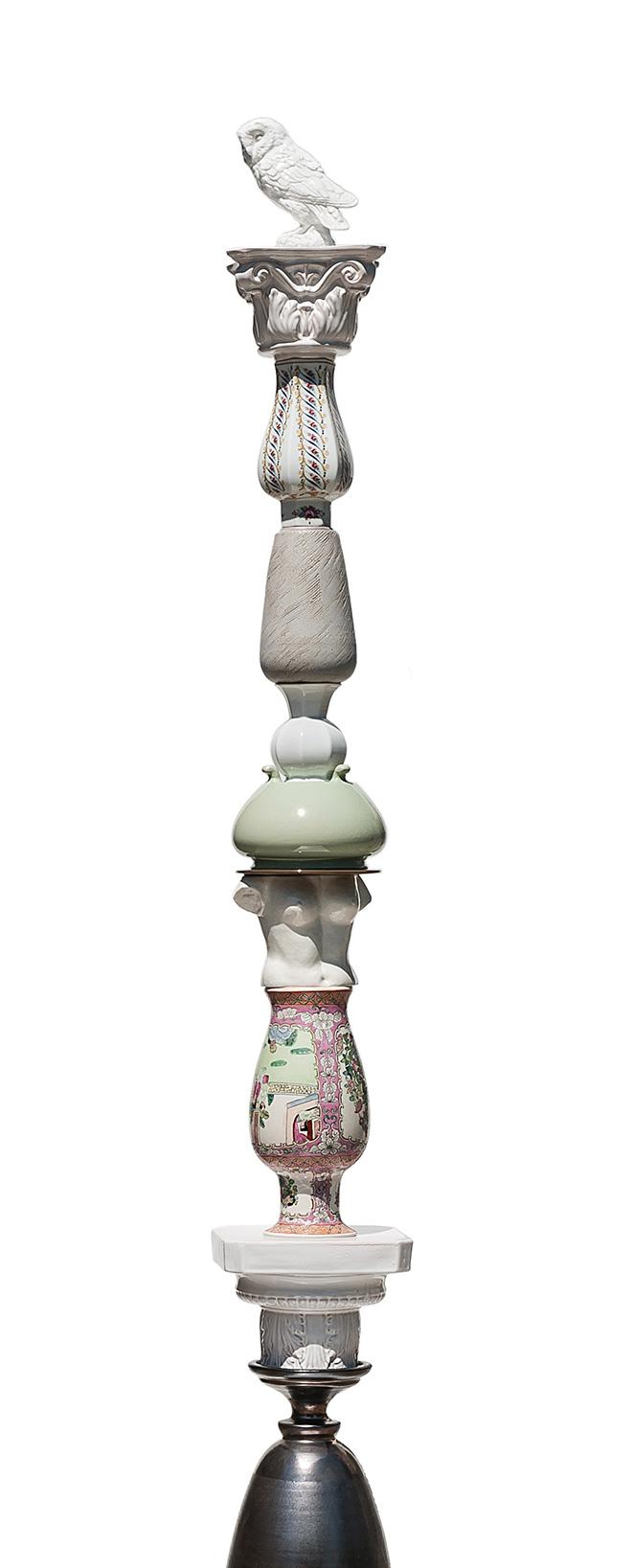 Luca Freschi - Cariatide 03 (Civetta), 2019, terracotta ceramica e legno, cm 44x44x390, particolare #1