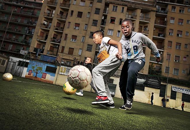 Tutte le ore del mondo - Il gioco fuori casa, Sul campo da calcio @FondazioneBracco, Gerald Bruneau