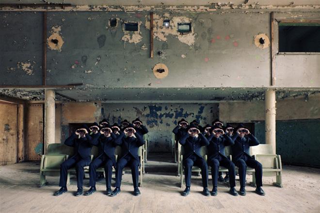 Ralph Gräf - The Observing Collective, Primo Classificato, Conceptual category, Creative Photo Awards 2020