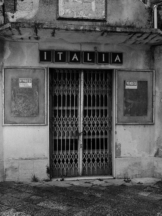 Francesco Bellina (Cesura), Salemi, Sicily, 2020. Former cinema Italia in the main square of Salemi