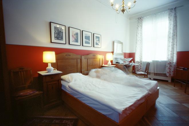 Karen Stuke - Hotel Bogotà, Room 415