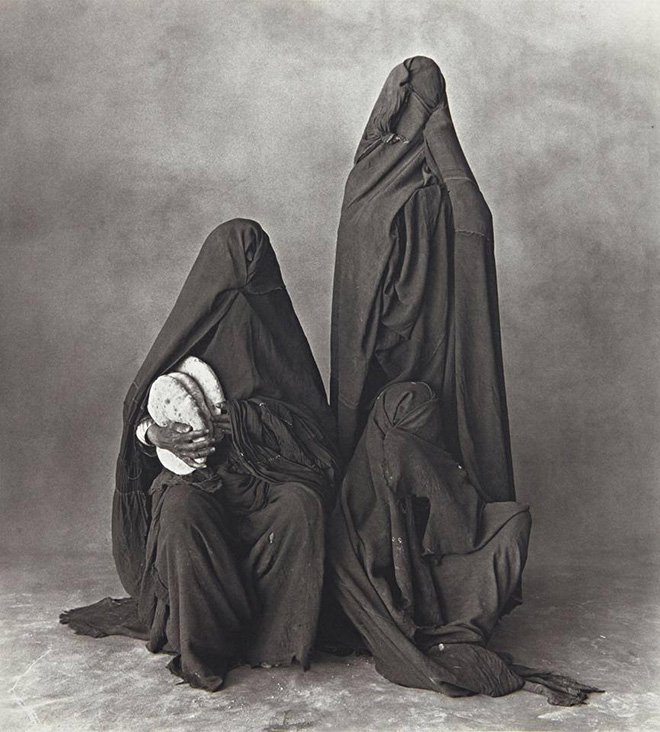 Irving Penn - DON'T MAKE SNAP JUDGMENTS: a new women's position