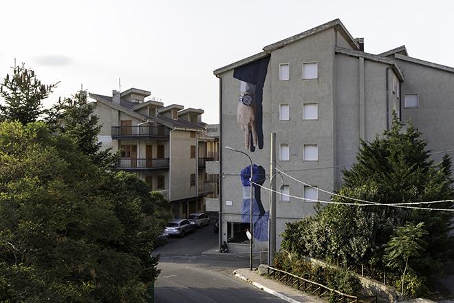 Daniele Geniale - La morra della sanità, AppARTEngo, murale a Stigliano (MT), Italy