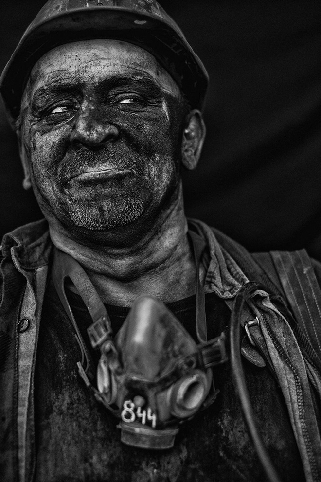 Alain Schroeder (Belgium) - Charcoal Black, Best Author URBAN 2020 Photo Awards