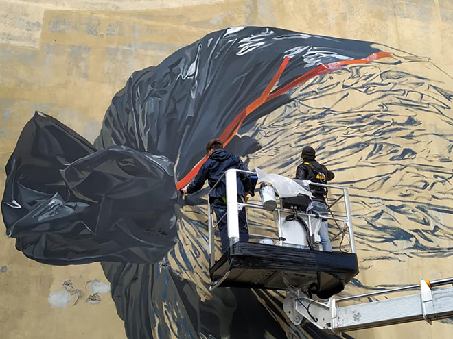 Murmure street - Dung Beetle (work in progress), Festival Point de Vue, Bayonne (France), 2020