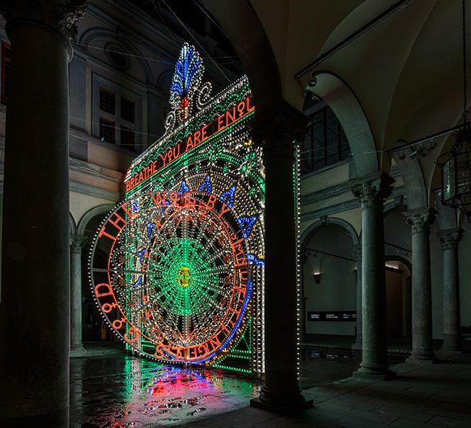 Marinella Senatore - We Rise by Lifting Others (Ci eleviamo sollevando gli altri), installazione, per il Cortile di Palazzo Strozzi. photo credit: OKNOstudio
