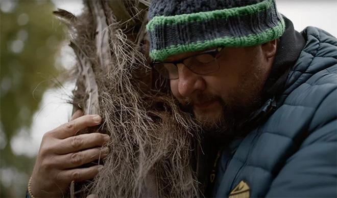 Complaining to the Tree - Abramovic Method