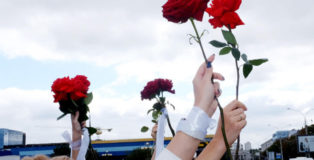 Women's peaceful actions against police violence, Minsk, August 12. photo by Lesya Pchelka