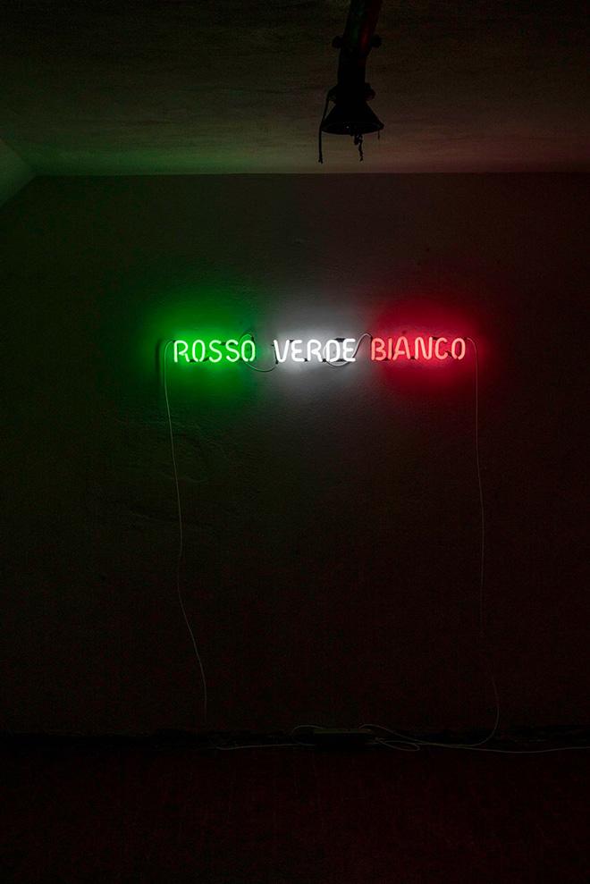 zeroottouno, Italia, 2021. installazione site-specific, neon, dimensioni ambientali. veduta di Station to Station, Bunker di Reggio Calabria Centrale