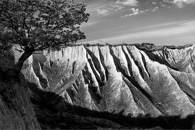 Brian Stanton - Calanchi Rupi, 2016 (Calanchi Cliffs) Archival pigment print 60 x 90 cm, 27.56 X 39.37 in. Courtesy of artist
