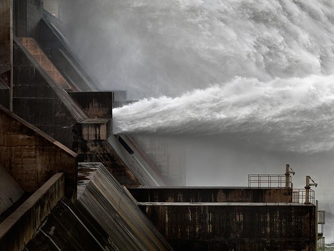 Xiaolangdi Dam in Jiyuan, Henan Province, China. Photo by Edward Burtynsky.