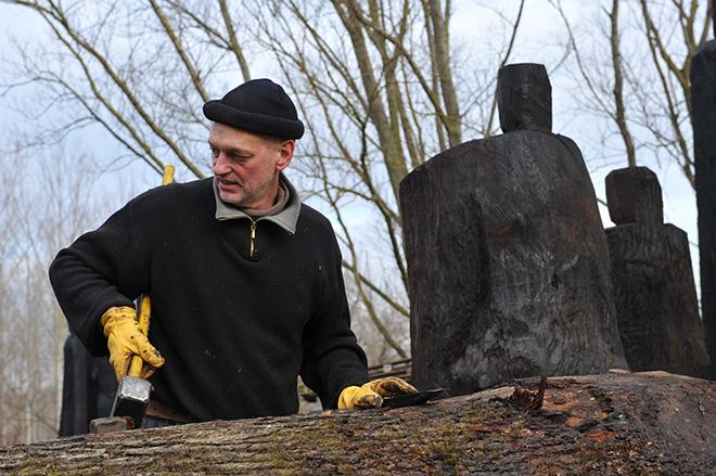 Christian Lapie - Installazione al Treeart Festival