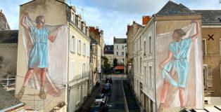 Faith 47 & Helen Bur. Hyuro - Douce Vie (Concept by Hyuro), Festival Echappées d'Arts ad Angers, Angers, 2021. Photo credit: Ville d'Angers